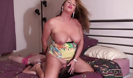 lapdances Busty GF برای سکس با محارم شهوانی پسر شاخی