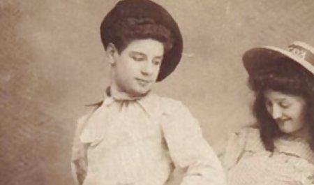 نوجوان ساخت داستان شهوانی زن داداش یک فیلم استمناء برای Her Bf