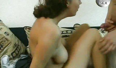 دختری با جوانان بزرگ و داستان سکسی شهوانی خانه الاغ خوب 4 بار سولو می رود.